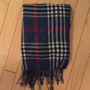 🍁FALL SALE: Blue Plaid Fringed Scarf!🍁